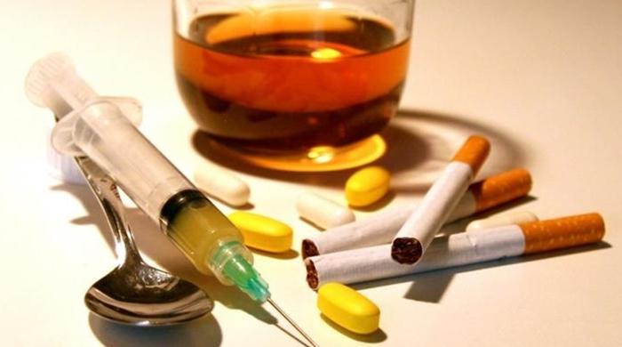 Adicciones Tabaco / Alcohol